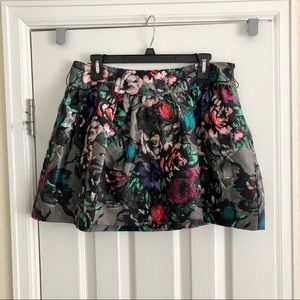 Silky floral skirt Has pockets  7 $5